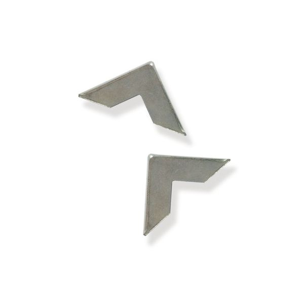 2 Coins en métal Pointus